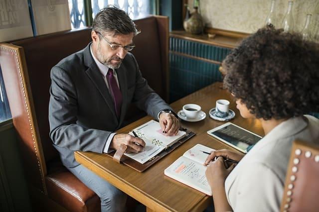 職場の人間関係は、「大切な取引先」だと思いましょう。